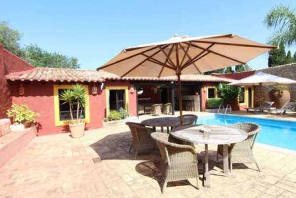 10 Bed  Villa For Sale