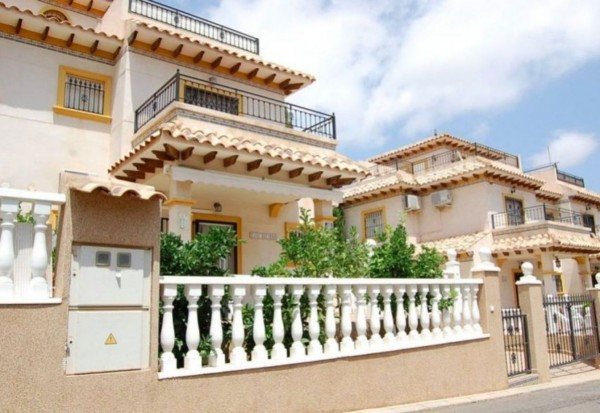 2 Bed  Townhouse For Sale