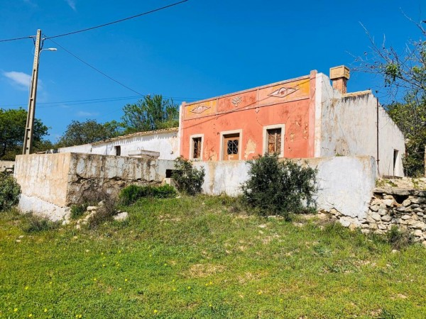 8 Bed  Plot For Sale