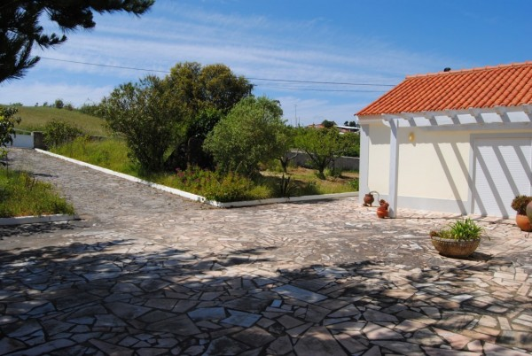 2 Bed  Country House For Sale