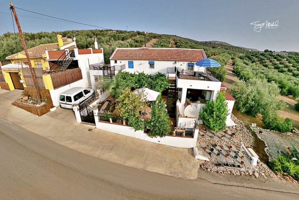 3 Bed  Country House For Sale