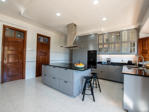 9 Bed  Commercial For Sale